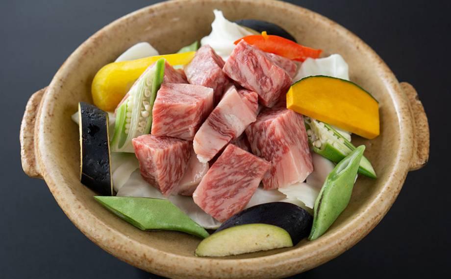 村上牛と胎内地野菜の角切り陶板焼き